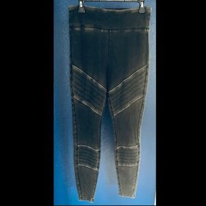 Chevron black leggings